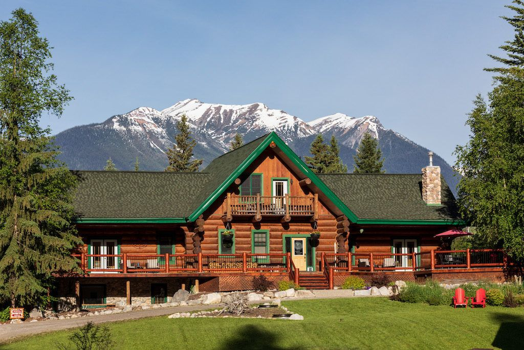 Moberly Lodge – Kicking Horse Cabins