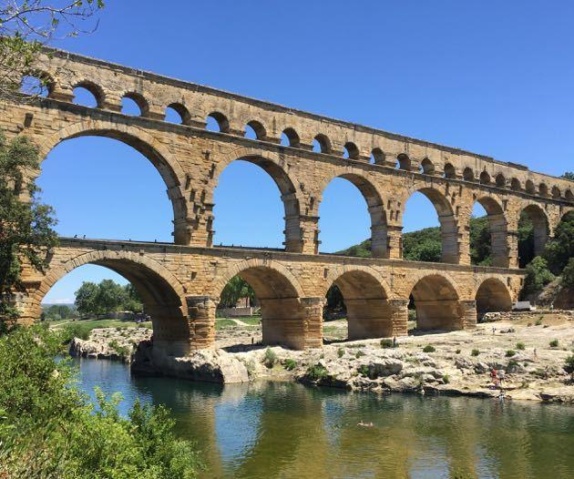 Pint de Gard with Kids - Roman Aqueduct