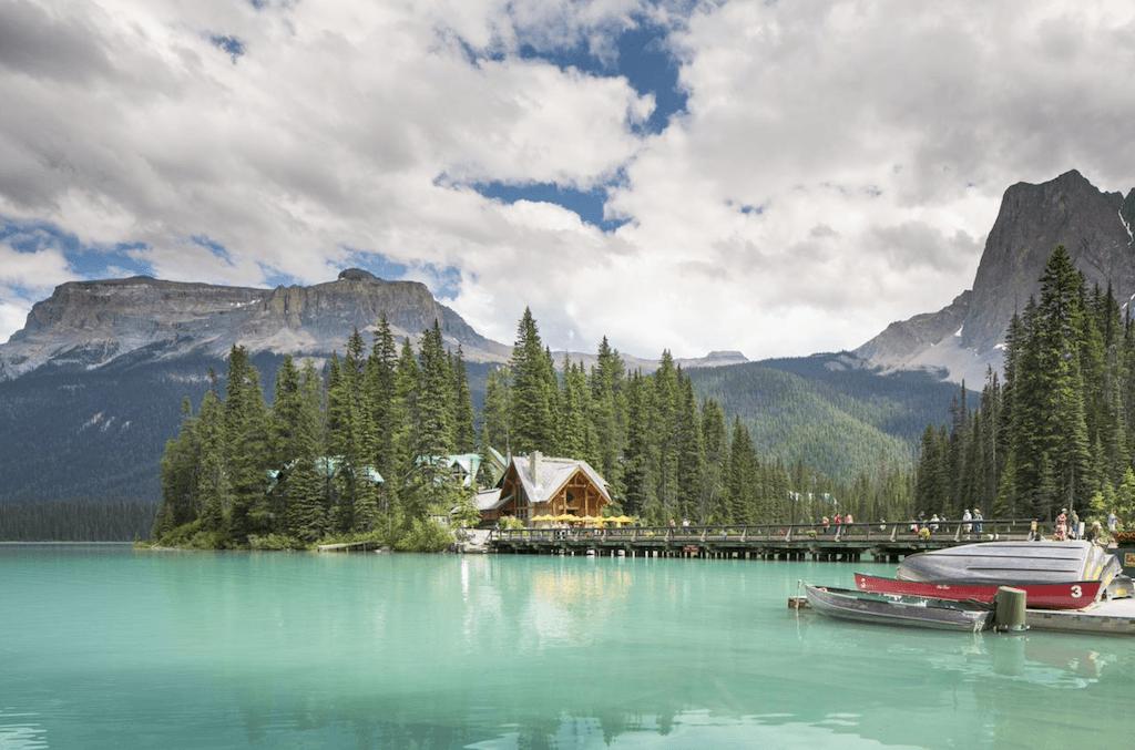 Emerald Lake Lodge – Where to stay in Yoho