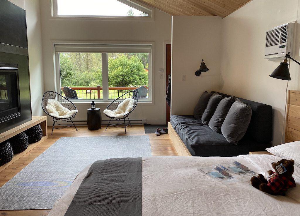 Luxury Wilderness Lodge BC – Tweedsmuir Park Lodge