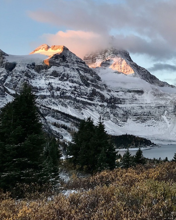 Assiniboine Lodge – Hike to Mount Assiniboine Lodge